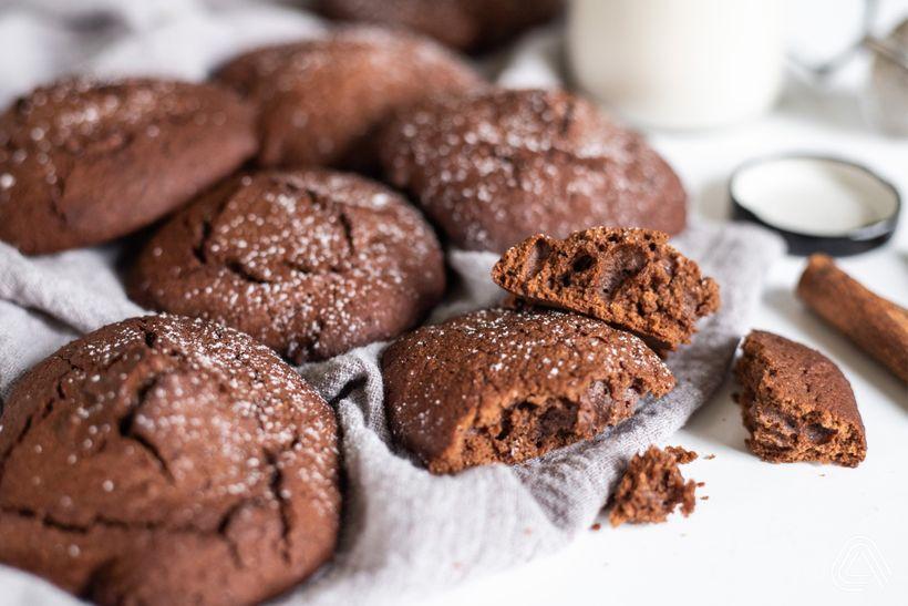 Mäkké perníkové cookies sjemnou chuťou kakaa