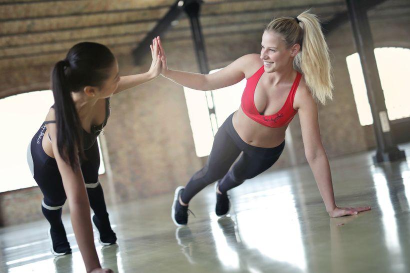 Cvičiť ráno alebo večer? Objavte, čoje najlepšie na rýchle aefektívne chudnutie