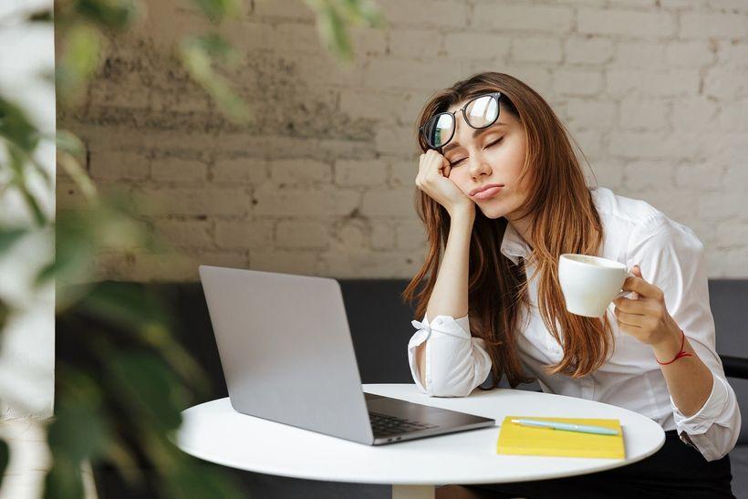 15 tipov, ako schudnúť pri sedavom zamestnaní