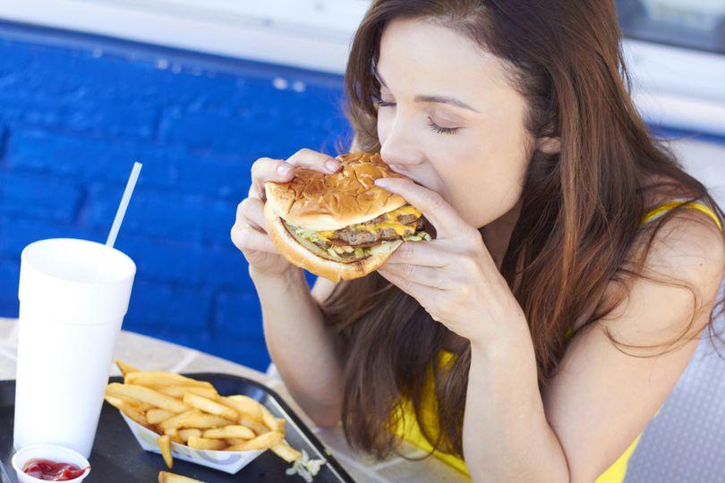 6 potravín, ktoré môžu zhoršiť celulitídu