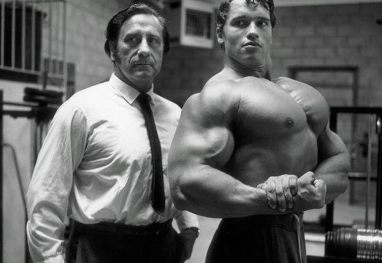 Arnold Schwarzenegger - trénink hrudníku a zad