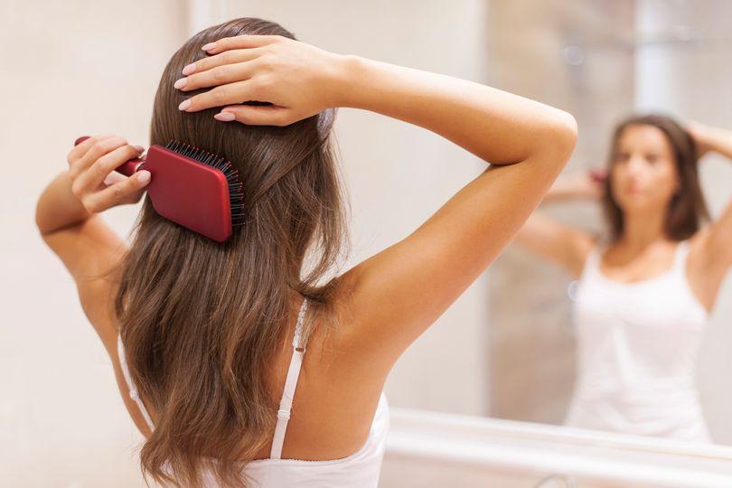 Chudnutie a vypadávanie vlasov. Je medzi tým súvislosť?