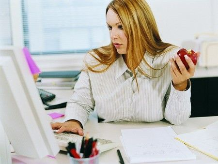 Jak hubnout a zhubnout v práci?