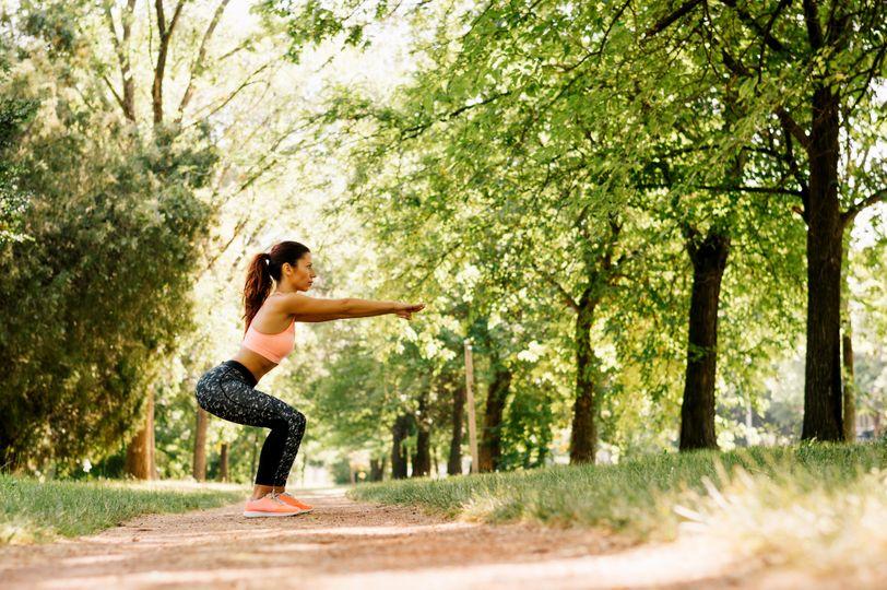Ako schudnúť zo stehien? Kľúčom je výživa a tréning