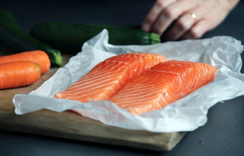 Tuniak vs. losos z pohľadu výživy