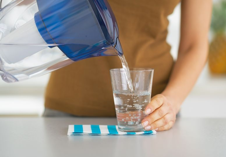 Zlepšujú filtračné kanvice kvalitu vody? Nie vždy to tak musí byť