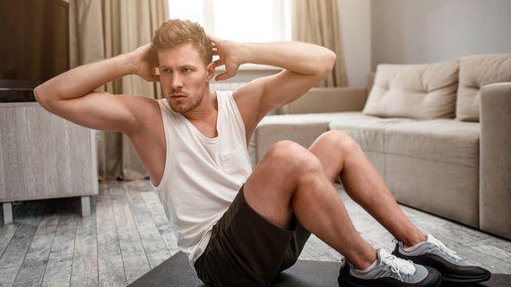 Trénink doma: Jak si dát do těla i na podložce v obýváku?