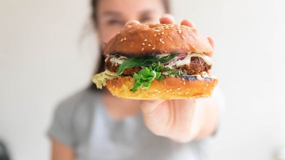 Plusy a mínusy vegánskych náhrad mäsa
