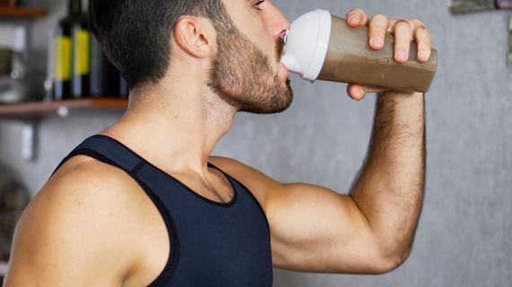 Proč (ne)míchat protein s mlékem?