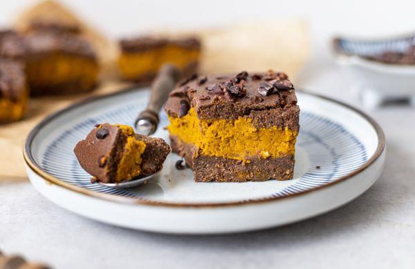 Hit podzimu: Čokoládové brownies s lehkým dýňovým krémem